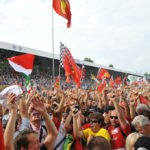 fans-cheering